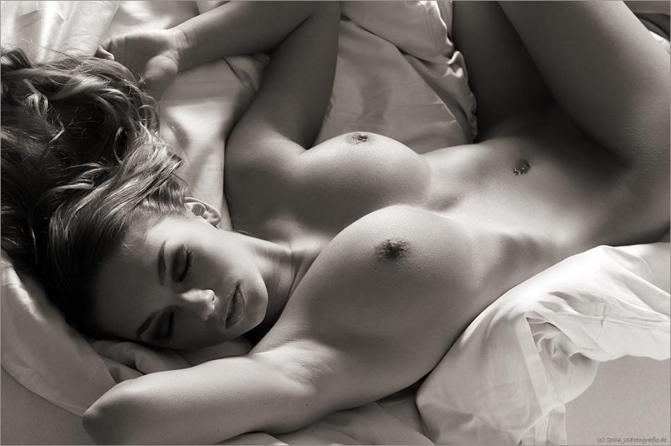 eroticheskie-foto-chernih